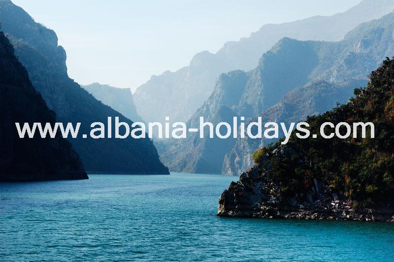 Photos-Koman-Lake-Albania